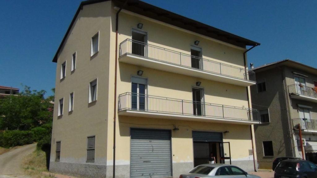 Affitto appartamento uso ufficio a cantinella bbls group for Affitto appartamento roma uso ufficio