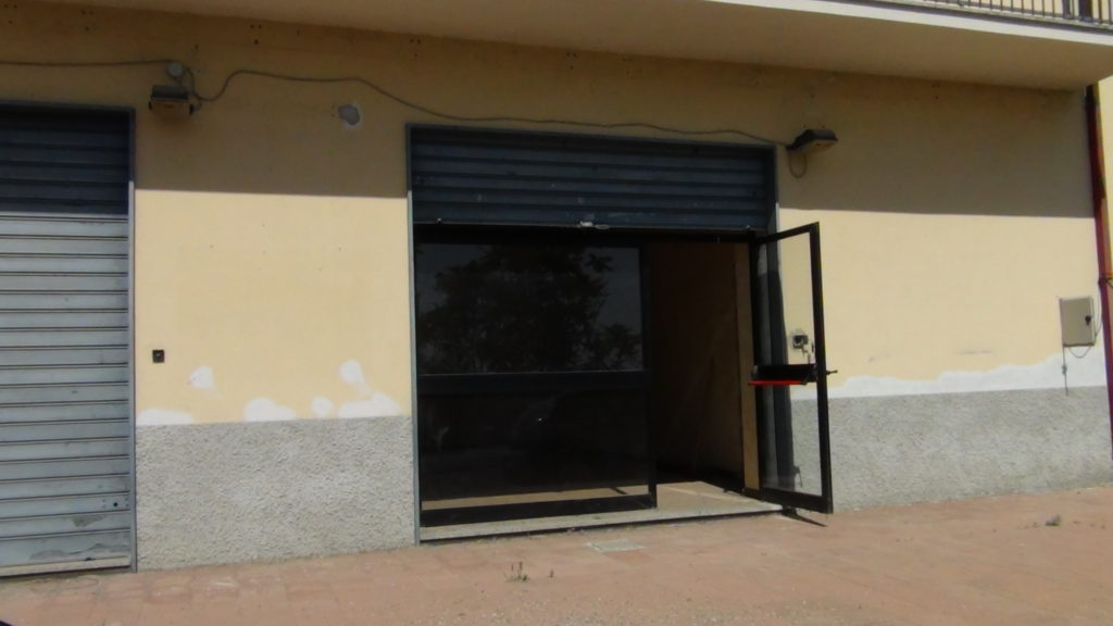 Affittasi locale per attivit commerciale bbls group for Affittasi locale