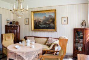 Arredamento con mobili in stile classico